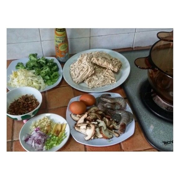 Homemade Seafood Ban Mian!