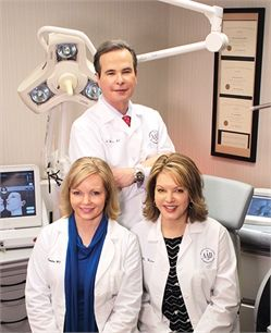 Dr. Robert Weiss was selected as a Top Doctor in US News  World Report as one of the top dermatologists in the country. He also received the 2012 Leon Goldman Memorial Award, was honored by Sturge-Weber Foundation, and was listed as Castle Connolly Top Doctor for Fifth Consecutive Year.