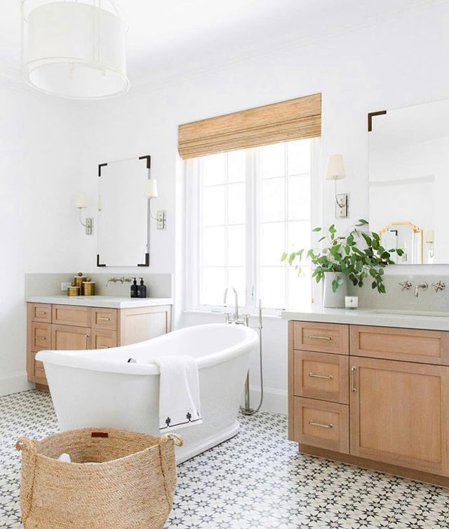 I Would Like To Escape From This Life For Like 45 Minutes And Sink Into This Bath Tub Can I Come Over Beautiful Bathrooms Bathroom Inspiration Bathroom Design