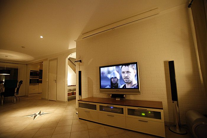Wall-mounted TV | HOME DECOR - LIVING ROOM | Pinterest ...