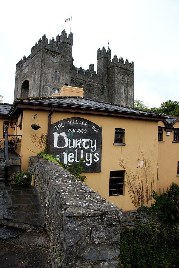 Home✯ Durty Nellys And Bunratty Castle - Shannon, Ireland  Been here loved it <3