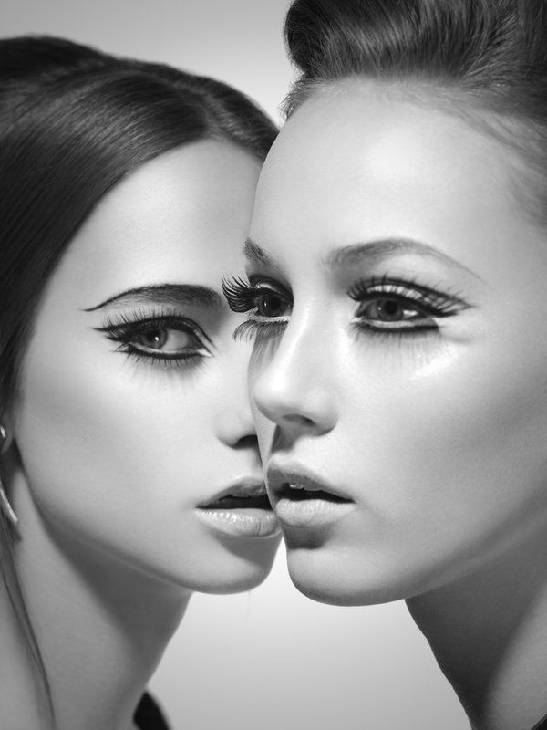 sixties beauty lashes and liner