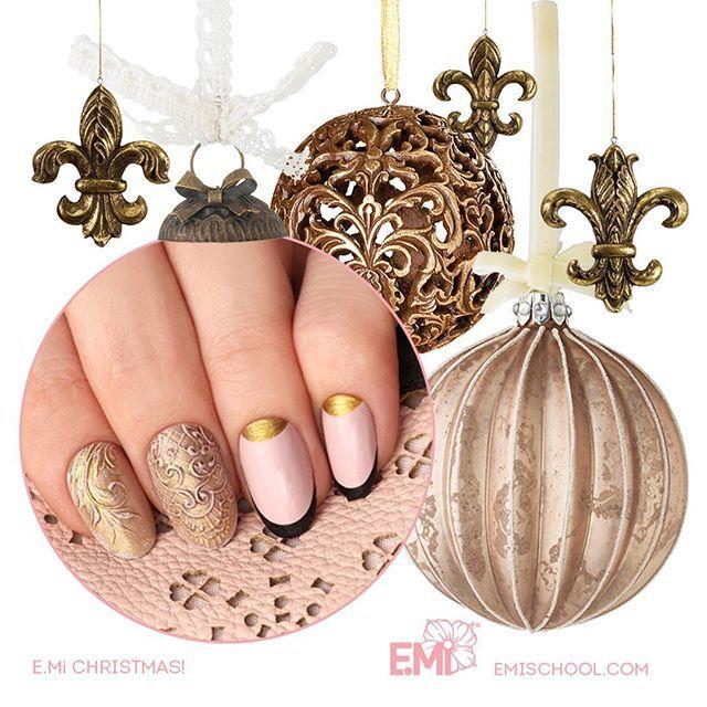xmas design nail art of EMi #Emimanicure • xmas nails easy • xmas nails designs • xmas nails art • xmas nails winter • xmas nails red • xmas nails shellac • xmas nails blue • xmas nails glitter • xmas nails simple • xmas nails sparkly • xmas nails diy