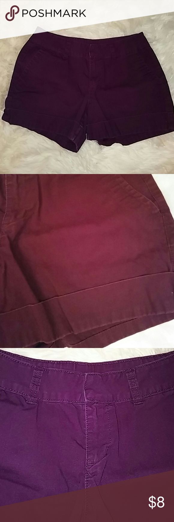 Apt 9 Size 6 Womens Purple Shorts Good pre-owned condition. Shows some fading. Comes from a smoke free home. Apt. 9 Shorts