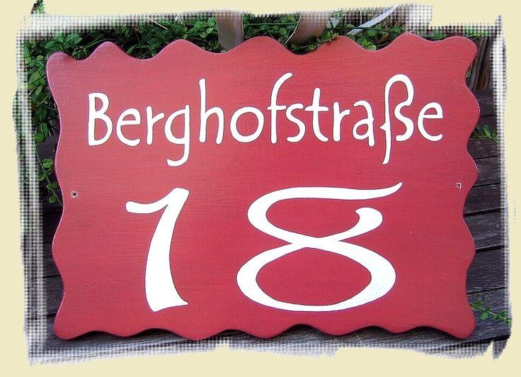 """TÜRSCHILD """"STRASSE & HAUSNUMMER"""" filigrane weiße Schrift auf rotem Grund (individualisierbar: Farbe, Straße + Hausnummer)"""
