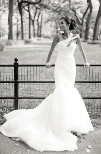 Mark Zunino a symmetrical, mermaid bridal gown featured on Gowns For Days collection | www.wineandpaper.com