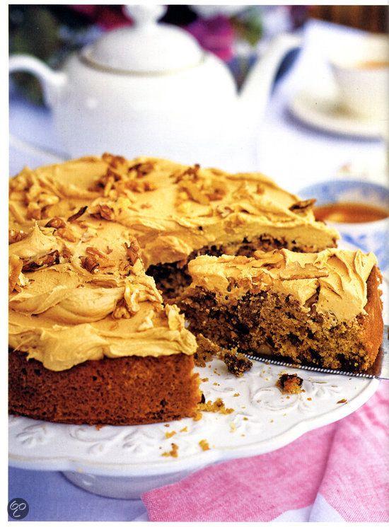 Mokkataart met walnoten en rozijnen uit Tana's bakgeheimen, Tana Ramsay #Baking