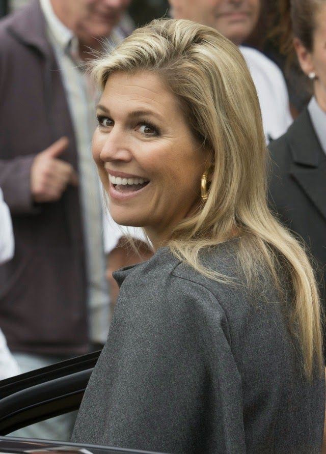 "!! REAL- MY ROYALS !! - Queen Máxima attended the DNB Pensioenseminar 2014 ""The participant in the centre"" at the Spant in Bussum."