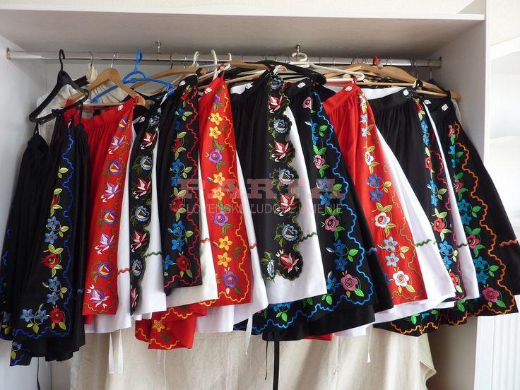 Sukne a zástery – PARTA – Slovenské ľudové umenie
