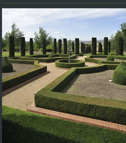 We saw Better Homes and Gardens on Friday and they showed Mayfield Garden. Just spectacular!!!