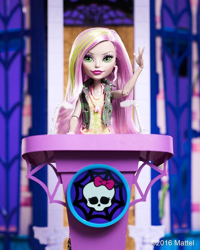 Moanica may be the new ghoul in school, but she's determined to win student body president & protect all monsters from the humans!  #MoanicaDKay #WhoWillYouChoose #WelcomeToMonsterHigh #MonsterHigh