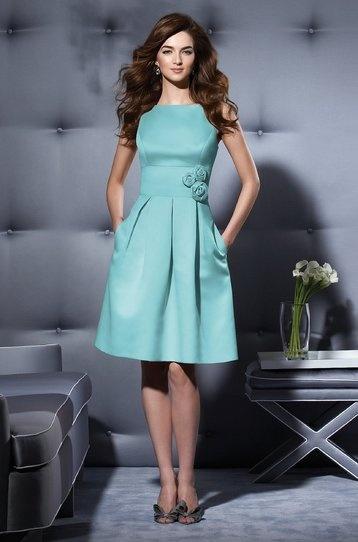 Hermoso vestido para cocktail