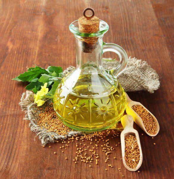 خلطتين من زيت الخردل وفوائدهم للشعر لطالما كان لزيت الخردل تاريخ طويل في أهميته للشعر بخاصة الشعر الطويل In 2020 Mustard Oil For Hair Mustard Oil Mustard Oil Benefits