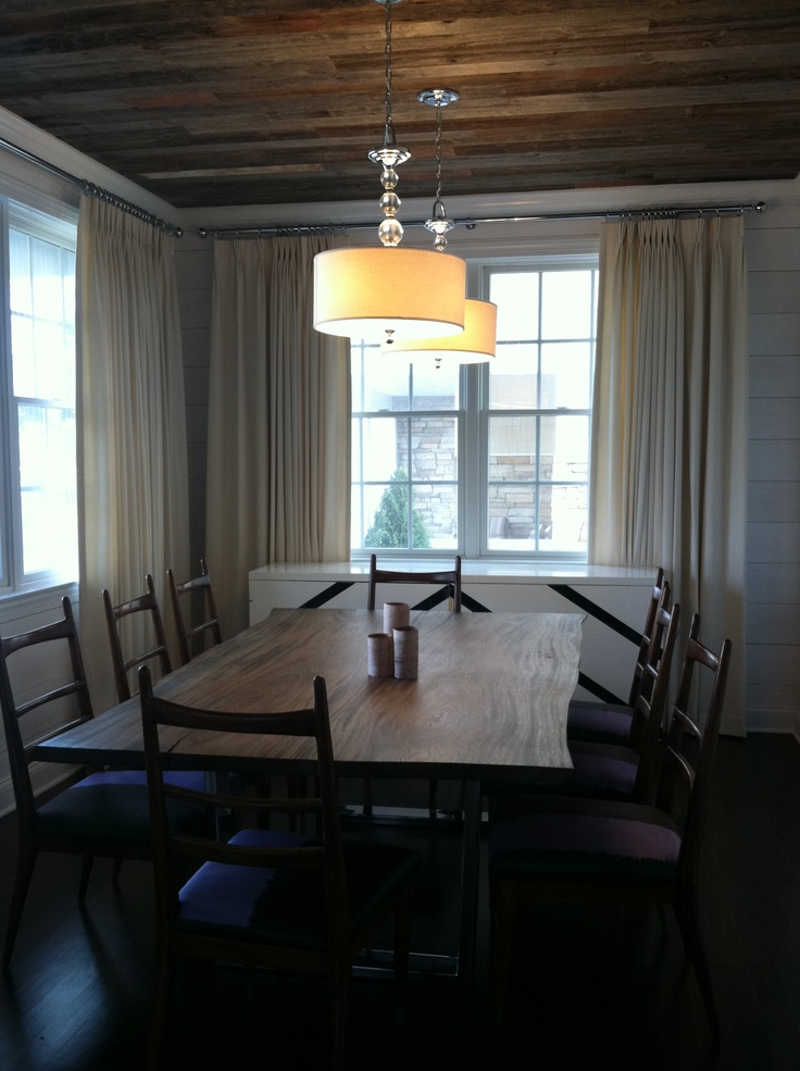 Dining room with reclaimed wood ceiling and whitewashed for Images of rooms with shiplap