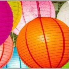 Kerti rizspapír lampion merevítővel és led égővel. Remek hangulatvilágítás kertbe, esküvőkre, partikra.