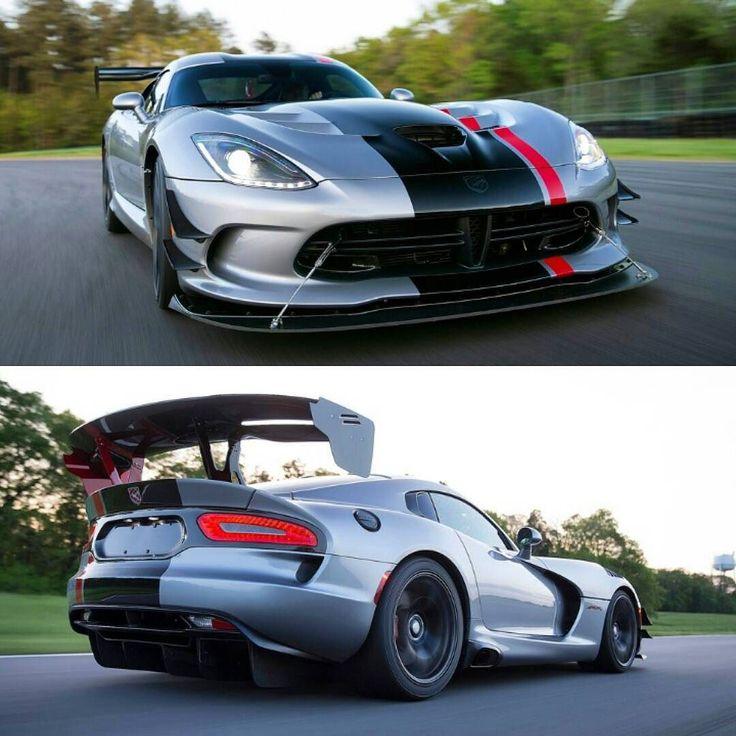 Dodge Viper ACR Extreme Aero 2016 O Dodge Viper ACR (American Club Racer) tem motor 8.4 V10 aspirado com 645 cv de potência e 813 Nm de torque e câmbio manual de seis marchas. Faz de 0 a 100 km/h em 3s e máxima e 331 km/h. Custa US$123390. Pena que será um dos últimos pois a @dodgeofficial anunciou que será o 25º aniversário e último ano de produção do Viper.  #CarroEsporteClube #Dodge #DodgeViper #Viper #ViperACR #Extreme #v10 #exoticcars #americancars #musclecar #ponycar #americanracer…