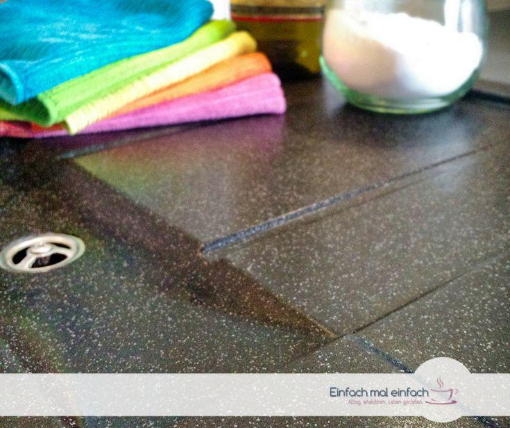 Was Du ohne teure Reiniger gegen die hartnäckigen Flecken auf einer dunklen Granitspüle tun kannst, das erfährst Du hier.