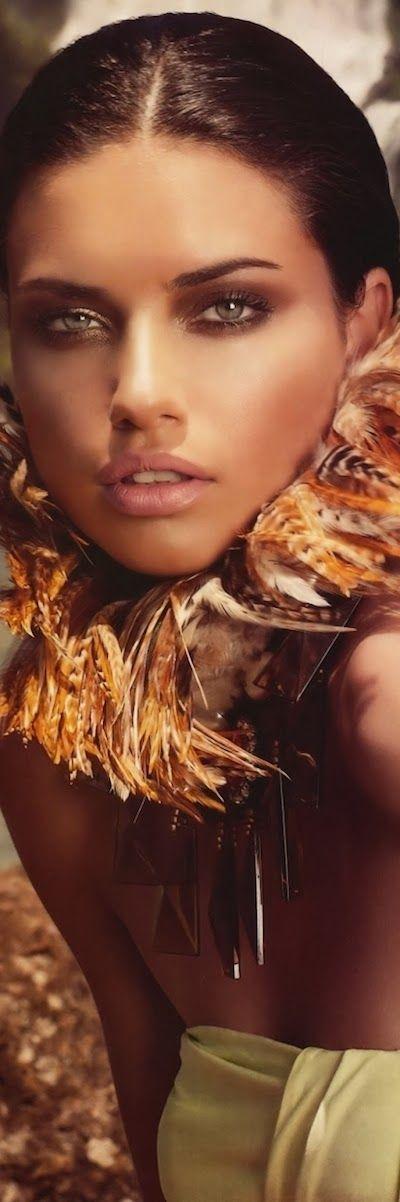 LOOKandLOVEwithLOLO: Model Behavior....Spotlight on ADRIANA LIMA