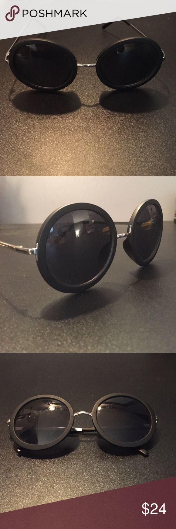 Black Circle Sun Glasses 😎 Perfect condition, black circular sun glasses⚫️ Accessories Glasses