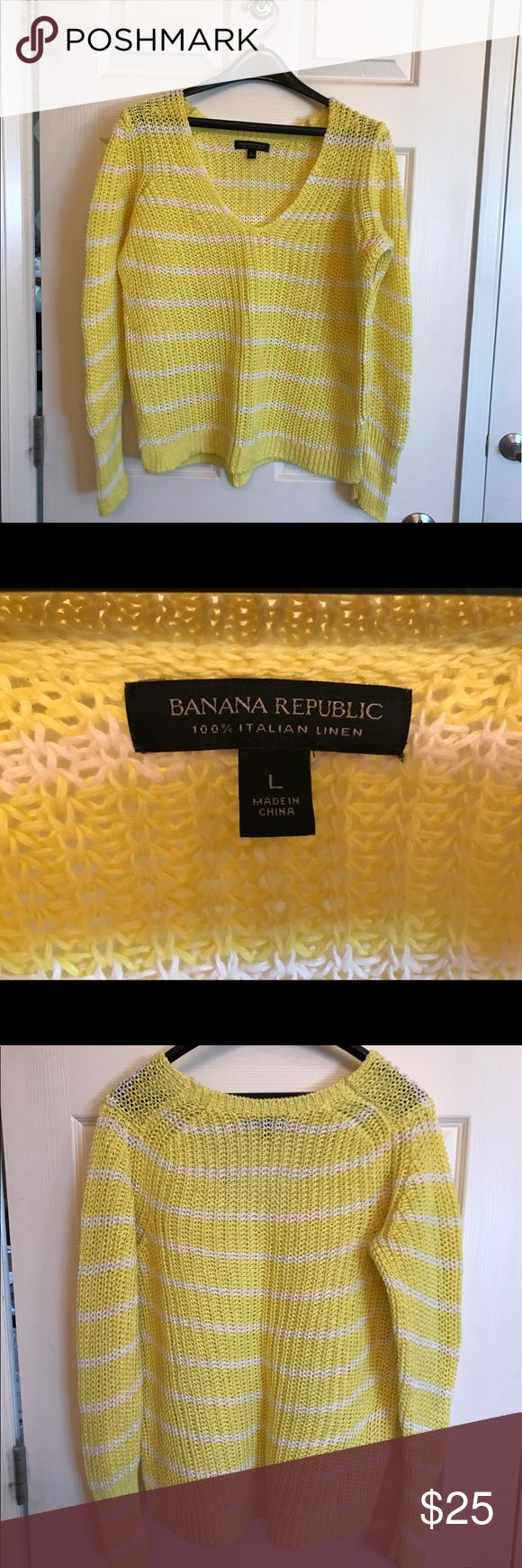 Women's Banana Republic open weave linen sweater This open weave linen sweater from Banana Republic is a great piece for spring and summer.  It is nice and lightweight and makes an excellent layering piece.  Worn one time and in excellent condition! Banana Republic Sweaters V-Necks