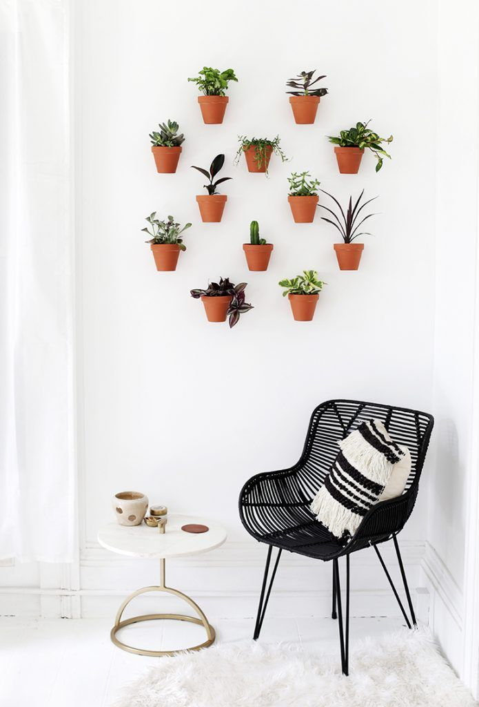 DIY Planter Wall @themerrythought