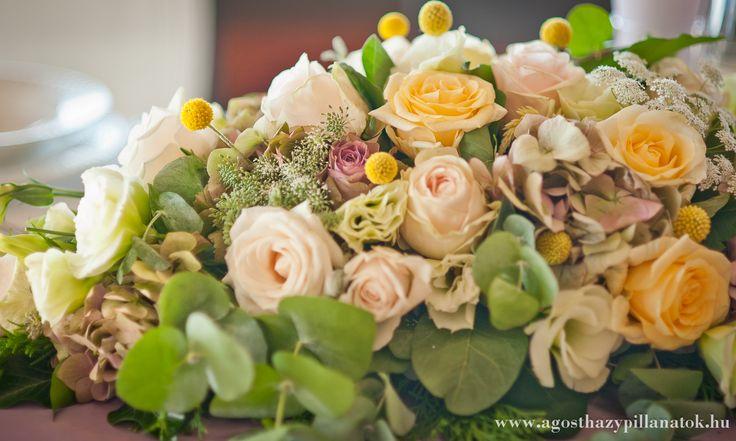 Csodás esküvői dekoráció, főasztaldísz.