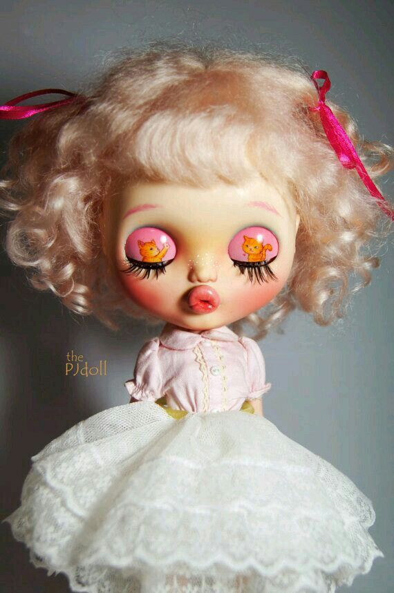 Blythe-Eyed Closed
