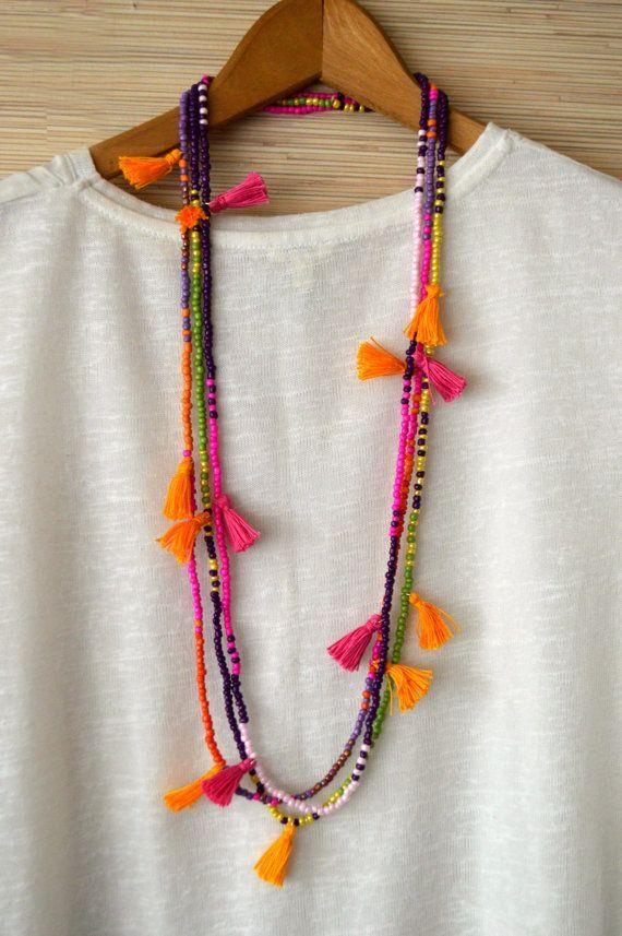 Larga borla collar borla de color de rosa caliente con cuentas collar con borlas de semilla grano borla Boho chic joyas tribales collar Ibiza por PearlAndShineJewelry