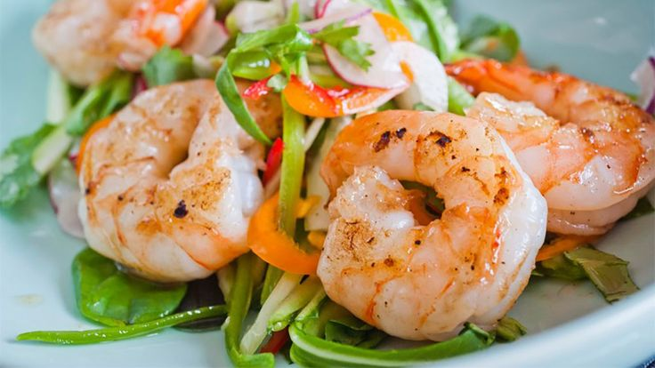 This is a very quick and simple Thai tiger prawn recipe it will be ideal for a dinner party starter or as a fresh lighter meal. The lovely aromatic ingredients in the sauce make for a really authentic Thai dish. Tiger Prawn Recipe Ingredients 10 Tiger prawns from Walter Purkis & Sons 3 kaffir lime leaves 1 stalk lemongrass Small