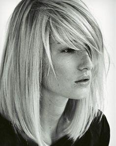 Mittellange Haare: Flexible Fransen