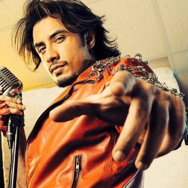 Ali Zafar Hairstyles 15 Best Hairstyles Of Ali Zafar To Copy Cool Hairstyles Sophisticated Hairstyles Hair Styles