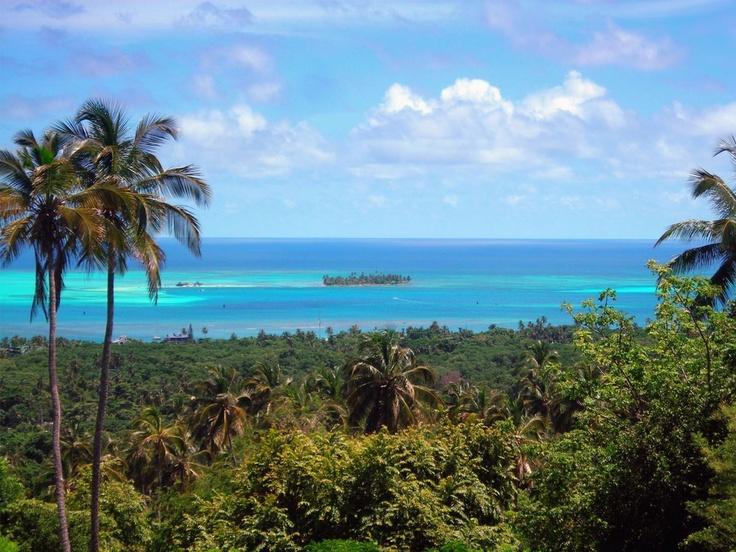 San Andrés es una isla hermosa de Colombia en la que sería maravilloso para visitar y pasar un día con la familia.