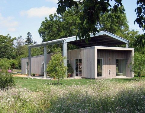CCS Architecture, Sonoma residence: another view showing the encasing metal frame whose function is shade.