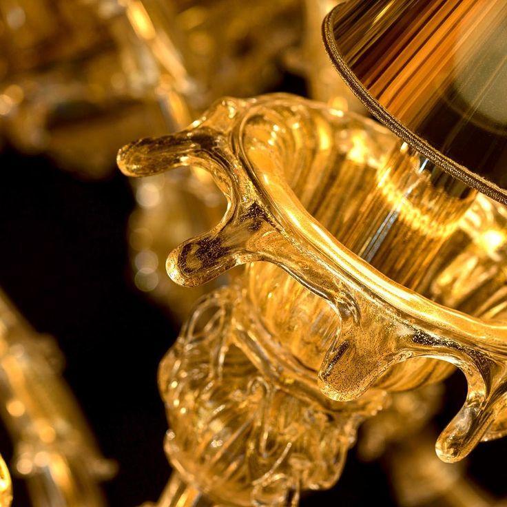 Details make the difference #meltmeee #andromeda #andromedamurano #interiordesign #interior #decor #architecture #luxury #luxurydesign #luxurydecor #chandelier #glass #handmade #murano #venice #gold #glassblowing