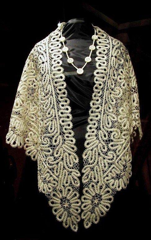 Bobbin lace from the Russian town of Vologda. Shawl. #Russian #bobbin_lace