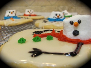 Melted Snowman Cookies - a quick, easy and fun project to do with the kids!