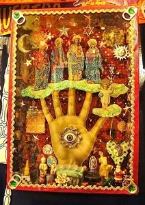 Mexican folk art shrine RESEARCH ''SACRED HEART SHRINES''