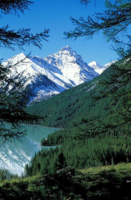 Altai Mountains - Siberia, Russia SIBERIA LIFEEEE... HELL YEAH RIGHT NEAR THE SAYAN MOUNTAINS