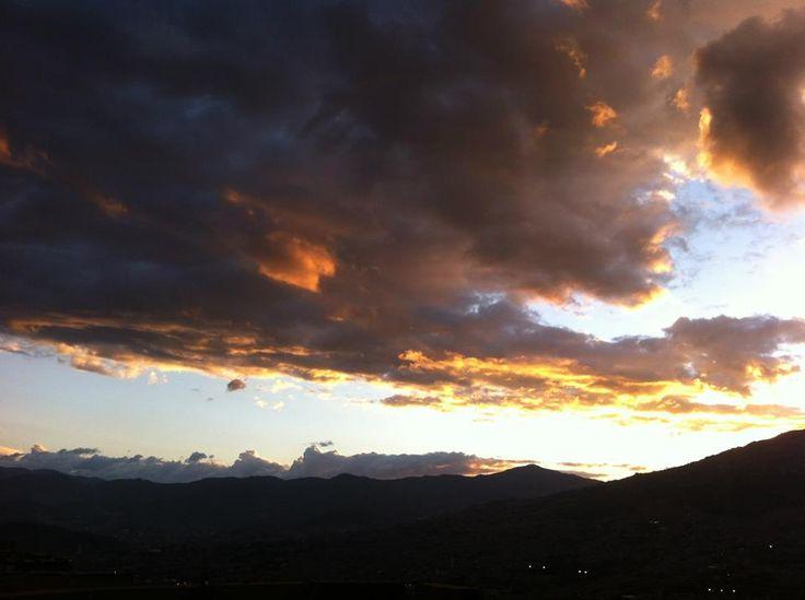 Cielo-Nubes negras