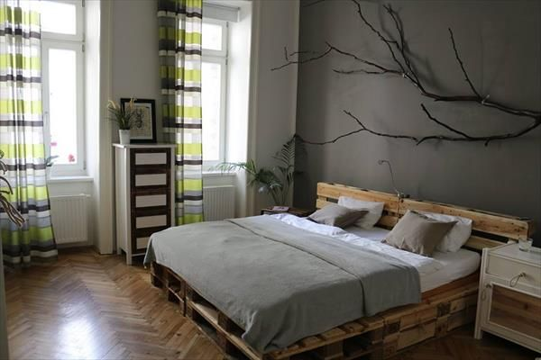 6 DIY Pallet Bed Ideas with Headboards | 99 Pallets