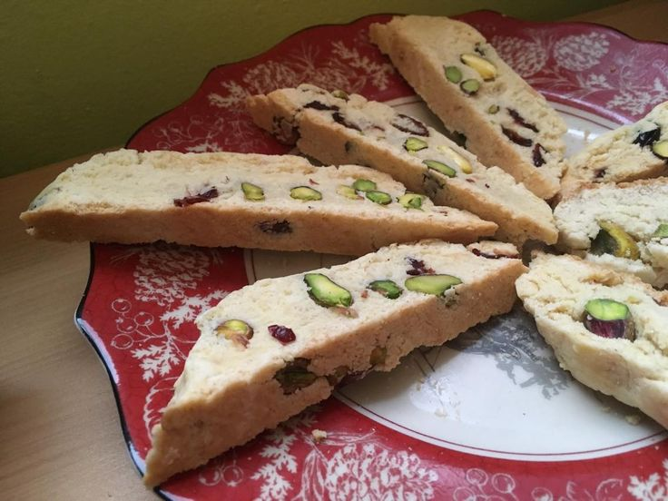 Vegan Cranberry Pistachio Biscotti #biscotti #veganrecipes #veganchristmas #veganitalian
