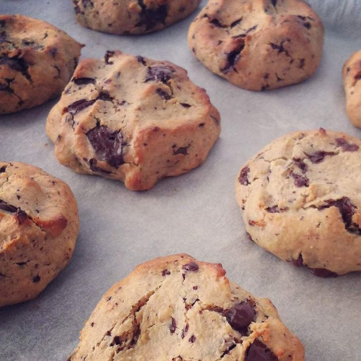 Healthy Peanut Butter and Choc Chip Cookie Dough Drops