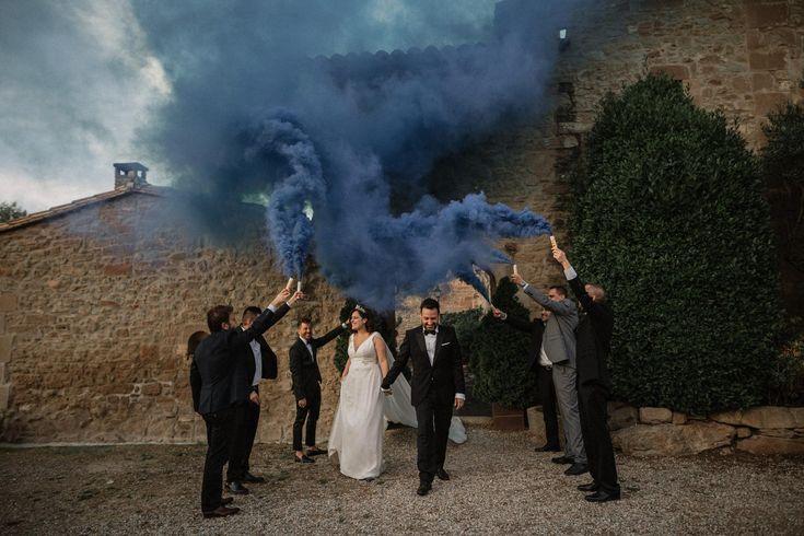 wedding decor, planner, organizacion eventos, inspiracion boda, inspiration, smoke, humo de colores | Photo by Pablo Laguia