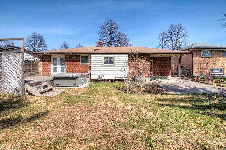 371 Fuller Pl property listing