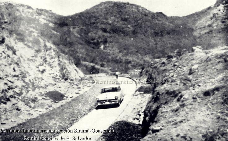 Vehículo transitando sobre la Carretera Interamericana seccion Siramá-Goascorán SIRAMA- GOASCORAN. Comprende las pequeñas cuencas entre las montañas del Jucuarán-Conchagua y la costa del Pacífico con un área de 803.7 km2, localizada entre los departamentos de San Miguel y La Unión Siramá