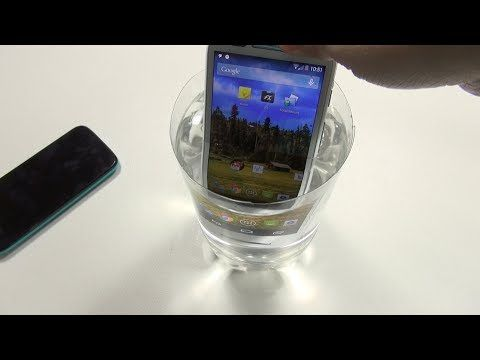 Ask Erica: Is Moto E Worth It? (Water test) - YouTube