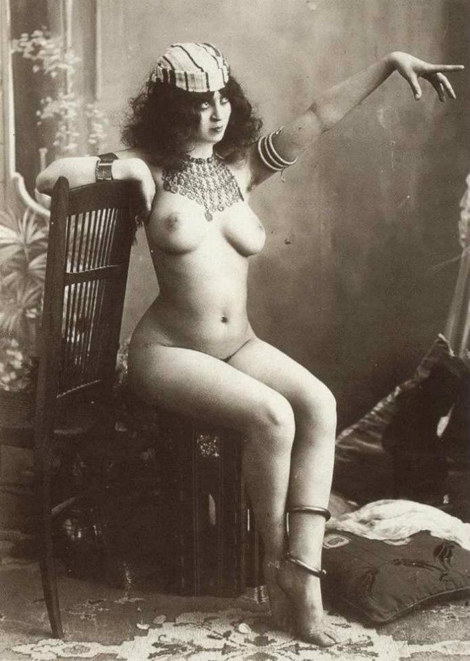 Vintage erotic nude models #9