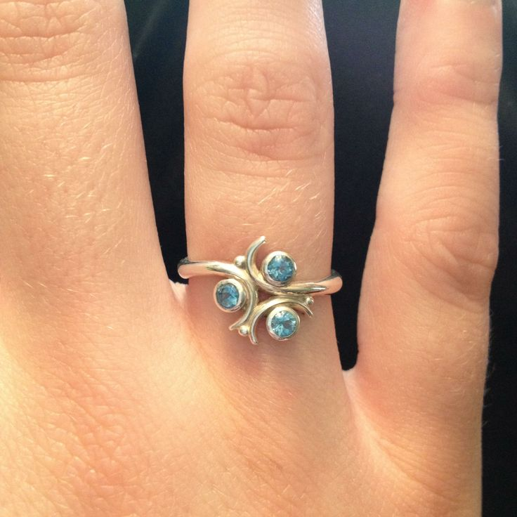 Real life Zora's sapphire engagement ring inspired by The Legend of Zelda Ocarina of Time #geek #jewelry