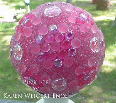 Garden Art DIY: Make your own decorative garden balls ---- make some in green to 'hide' in the garden