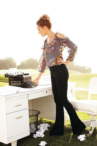 Lauren Conrad's Blogger Contest: I love how she mixes old with the new... Vintage Typewriter. Awesome!